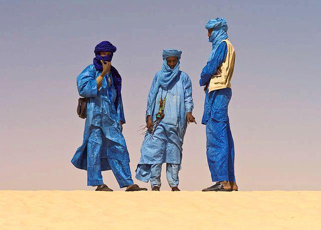 Touaregs dans le désert de l'Azawad
