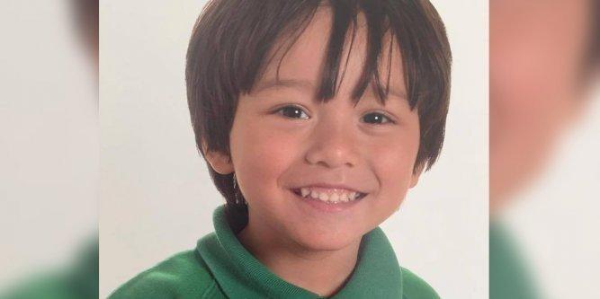 le-petit-garcon-age-de-7-ans-etait-en-vacances-avec-sa-mere_2523189_667x333